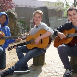 Musik-Gitarrenunterricht draußen