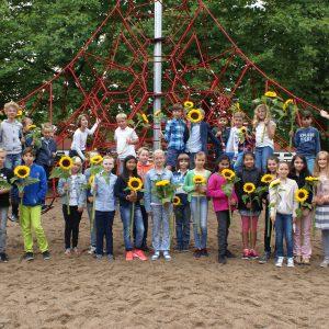 Klasse 5c am Tag der Sonnenblumen