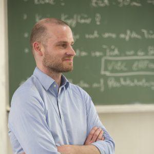 Dr. Christian Folde